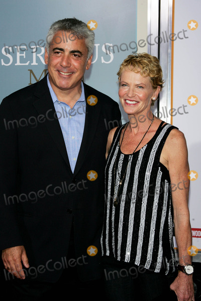 Adam Arkin Photo - Adam Arkin Arrives at the Friars Club Comedy Film Festival Premiere of a Serious Man at the Ziegfeld Theater in New York on September 24 2009 Photo by Sharon Neetles-Globe Photos Inc 2009