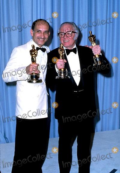 Richard Attenborough Photo - Academy Awards  Oscars Ben Kingsley and Richard Attenborough PhotoGlobe Photos Inc 1983