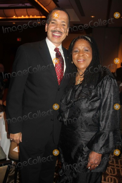 Jarvee Hutcherson Photo - Looking Back - Moving Forward Cnn Hero Susan Burtons a New Way of Life Reentry Project 15th Annual Fundraising Gala Omni Hotel Downtown Los Angeles CA 12082013 Jarvee Hutcherson and Susan Burton Clinton H Wallace-Globe Photos Inc