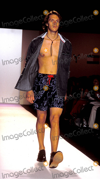 Men Model Fashion Show Show in New Male Models