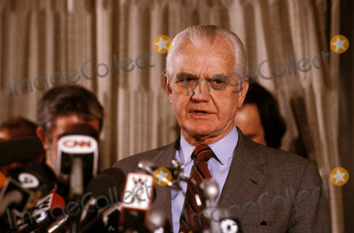 William Westmoreland Photo - General William Westmoreland Press Conference After Libel Suit Vs Cbs 1985 Photo by James Colburn-ipol-Globe Photos