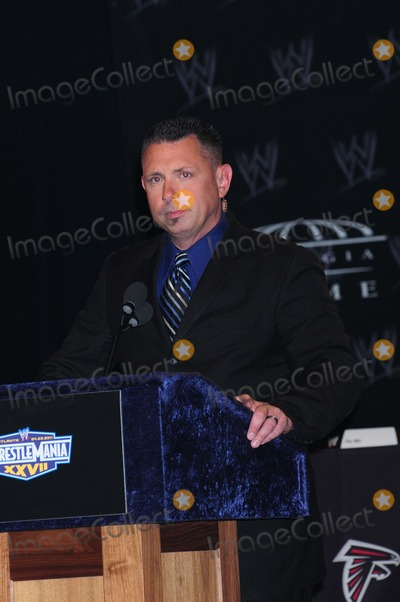 Michael Cole Photo - Michael Cole Wwe Press Conference For Wrestlemania Xxvii Hard Rock Cafe New York City 03-30-2011 photo by Ken Babolcsay - Ipol- Globe Photos Inc