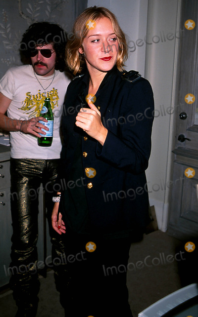 ARE Weapons Photo - Bergdorf Goodman Magazine Launch Party First-ever Produced by Assouline  New York City 09152002 Photo Walter Weissman Globe Photos Inc 2000 Are Weapon and Chloe Sevigny