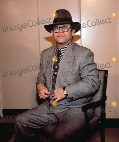 Elton John Photo - Elton John 9-30-1987 Photo by Uppa-ipol-Globe Photos Inc