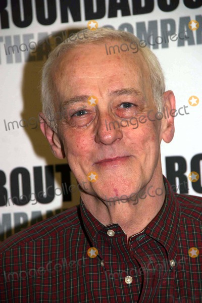 John Mahoney Photo - a Photo Op with the Cast of Prelude to a Kiss in Their New York Rehearsal Hall at the Roundabout Rehearsal Studio New York City 01-19-2007 Photo by Barry Talesnick-ipol-Globe Photos 2007 John Mahoney