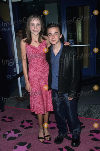 Amanda Bynes Photo - Amanda Bynes with Frankie Muniz Josie and the Pussycats Premiere in Los Angeles 2001 K21521fb Photo by Fitzroy Barrett-Globe Photos Inc