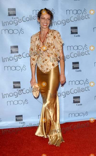 Diana Barton Photo - Macys and American Express Passort 2004 Gala at the Barker Hanger in Santa Monica CA 09302004 Photo by Fitzroy BarrettGlobe Photos Inc 2004 Diana Barton