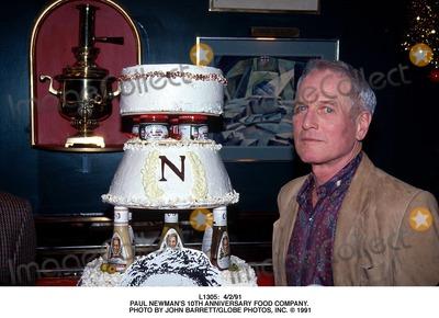 Paul Newman Photo -  4291 Paul Newmans 10th Anniversary Food Company Photo by John BarrettGlobe Photos Inc