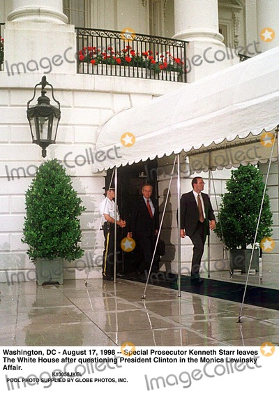 Monica Lewinsky Photo - Washington DC - August 17 1998 -- Special Prosecutor Kenneth Starr Leaves the White House After Questioning President Clinton in the Monica Lewinsky Affair Credit Ron Sachs-cnp  Pool Supplied by JkelGlobe Photos Inc