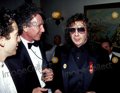 Phil Spector Photo - Sd0318 Rocknroll Hall of Fame Induction Party at Giambelli in New York City Bob Green_phil Spector Photo Byrick MacklerrangefinderGlobe Photos Inc 2000 Philspectorretro