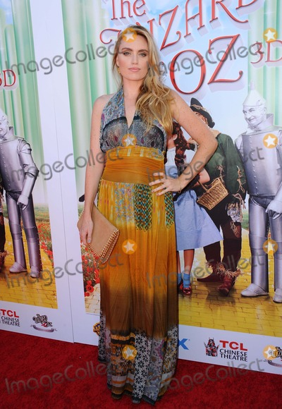 Eloise Mumford Photo - Eloise Mumford attending the World Premiere Screening of the Wizard of Oz in Imax 3d Held at the Tcl Chinese Imax Theater in Hollywood California on September 152013 Photo by D Long- Globe Photos Inc