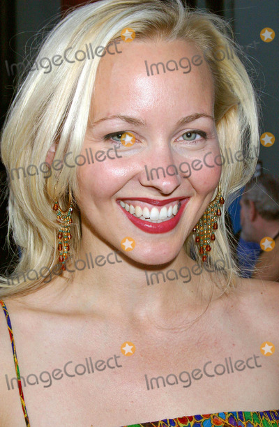 Amy Hathaway Photo - LA Twister World Premiere at Graumans Chinese Theatre Hollyood CA (062804) Photo by ClintonhwallaceipolGlobe Photos Inc