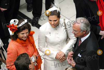 Princess Victoria of Sweden Photo - Visit to Fiels Shopping Centre-swedish State Visit-restaden Copenhagen Denmark 05-10-2007 Photo by Ricardo Ramirez-richfoto-Globe Photos Inc King Carl Gustav Queen Silvia  Princess Victoria of Sweden