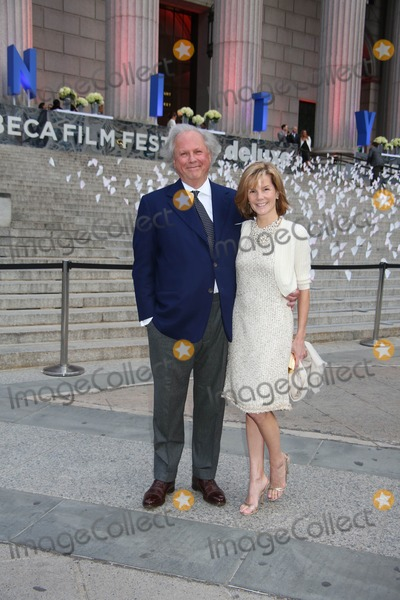 Anna Scott Photo - The Vanity Fair Party to Celebrate the 2013 Tribeca Film Festival New York State Supreme Court Building NYC April 16 2013 Photos by Sonia Moskowitz Globe Photos Inc 2013 Graydon Carter and Wife Anna Scott