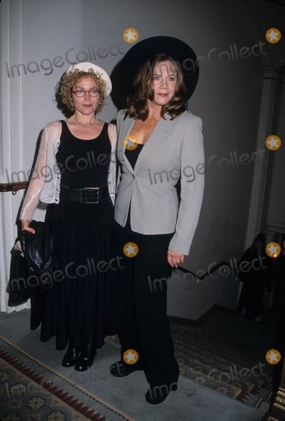 Amy Irving Photo - Amy Irving Kathleen Turner the 15th Annual Power Lunch For Women at the Pierre Hotel New York 2001 K23429smo Photo by Sonia Moskowitz-Globe Photos Inc