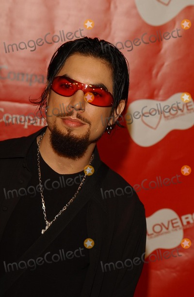 Dave Navarro Photo - Dave Navarro Entertainment Industry Foundation Love Rocks Concert to Honor Bono (U2) and Launch Eifs National Cardiovascular Research Initiative Kodak Theatre LA CA February 14 2002 Photo by Amy GravesGlobe Photos Inc 2002