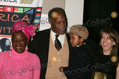 Rita Marley Photo - DANNY GLOVER AND RITA MARLEY PRESENT BOB MARLEY CINEMATIC TRIBUTE AT THE NEW YORK AFRICAN FILM FESTIVAL WITH A SCREENING OF AFRICA UNITEWALTER READE THEATRE NEW YORK CITY   04-07-2007PHOTOS BY RICK MACKLER RANGEFINDER-GLOBE PHOTOS INC2007RITA MARLEY DANNY GLOVER WITH GRANDSON ADESOLA  AND DIRECTOR  STEPHANIE BLACKK52477RM