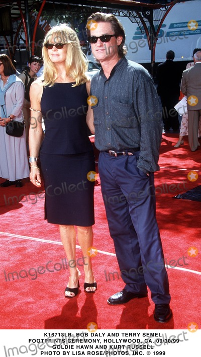 Goldie Photo -  Bob Daly and Terry Semel Footprints Ceremony Hollywood CA 093099 Goldie Hawn  Kurt Russell Photo by Lisa Rosephotosinc