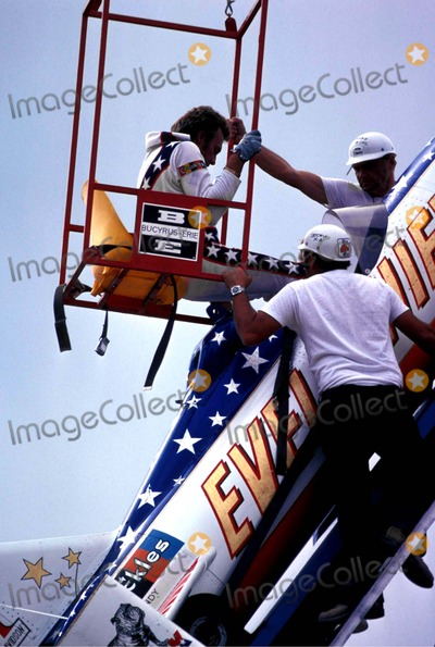 Evel Knievel Photo - Evel Knievel Snake River Canyon Photo by Globe Photos