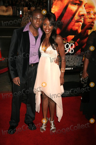 Adetokumboh MCormack Photo - Blood Diamond Los Angeles Premiere Graumans Chinese Theatre Hollywood CA 12-06-2006 Adetokumboh Mcormack and Nzinga Blake Photo Clinton H Wallace-photomundo-Globe Photos Inc