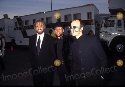 Bee Gees Photo - American Music Awards in Los Angeles Bee Gees- Barry  Maurice and Robin Gibb K7547fb Photo by Fitzroy BarrettGlobe Photo Mauricegibbretro