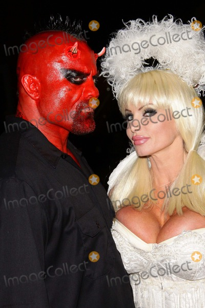 Taylor Wane Photo - Taylor Wane Sci Fiction News  Costume Launch Party Night Held at the Aqua Lounge Los Angeles 10-14-2010 PhototleopoldGlobephotos