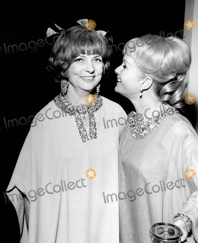 Agnes Moorehead Photo - Agnes Moorehead with Debbie Reynolds Photo by Globe Photos Inc