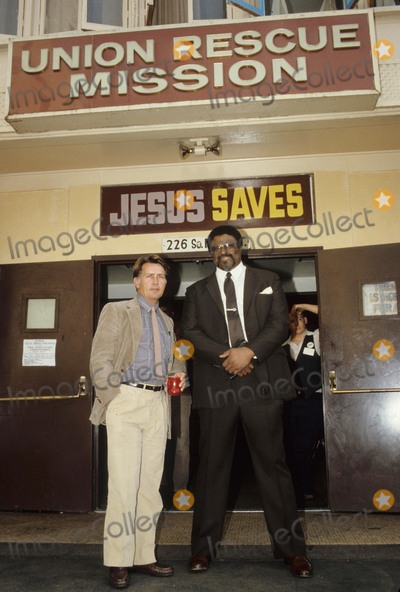 Rosey Grier Photo - Rosey Grier with Martin Sheen at Union Rescue Mission in Los Angeles Photo by Bob V Noble-Globe Photos Inc