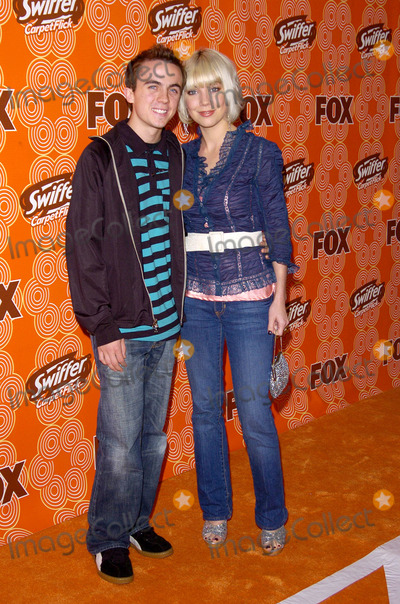 Frankie Muniz Photo - Fox Fall Casino Party Cabana Club Hollywood CA 10-24-05 Photo David Longendyke-Globe Photos Inc 2005 Imagefrankie Muniz Fiancee