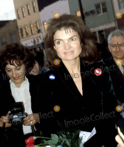 Jacqueline Kennedy Onassis Photo - Jacqueline Kennedy Onassis Photo Byhy SimonGlobe Photos Inc 1980 Jacquelinekennedyonassisretro
