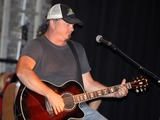 Rhett Akins Photo 4
