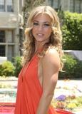 Raquel Pomplun Photo 4