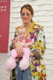 Hot Moms Club Photo 4