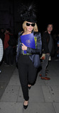 Kim Cattrall Photo - Kim Cattrall out and about