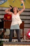 Jennifer Nettles Photo 4
