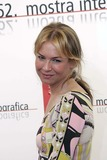 Renee Zellweger Photo 4