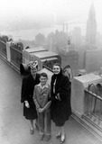 Patricia Neal Photo - Patricia Neal Mother and Brother Peter New York 30030 Photo by Globe Photos Inc Patricianealretro