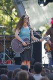 Alana Davis Photo 3