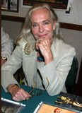 Shirley Eaton Photo 4