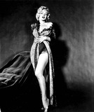 Marilyn Monroe Photos - Marilyn Monroe Photo Byipol ArchiveGlobe Photos Inc