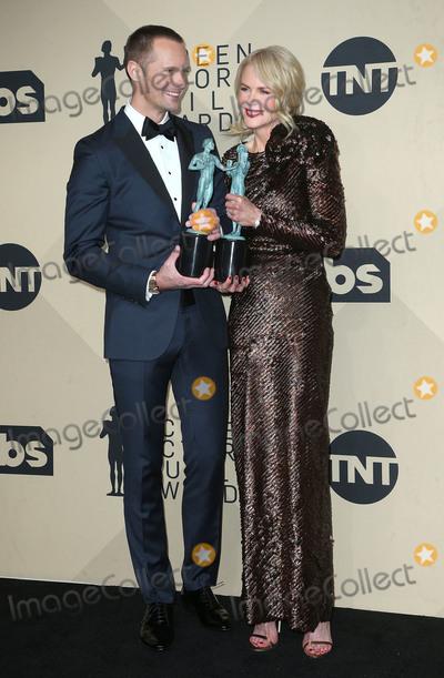 Alexander Skarsgard- Photo - 21 January 2018 - Los Angeles California - Alexander Skarsgard Nicole Kidman 24th Annual Screen Actors Guild Awards held at The Shrine Auditorium Photo Credit RetnaAdMedia