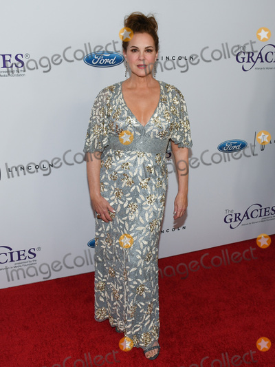 (44) Photo - 21 May 2019 - Beverly Hills California - Elizabeth Perkins 44th Annual Gracie Awards Gala held at The Four Seasons Beverly Wilshire Hotel Photo Credit Billy BennightAdMedia