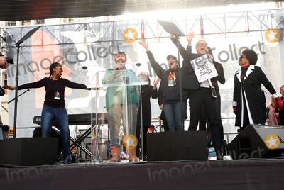 Jamie Lee Curtis Photo - 21 January 2017 - Los Angeles California - Helen Reddy Jamie Lee Curtis Laverne Cox Jenifer Lewis Womens March in Los Angeles California Photo Credit F SadouAdMedia