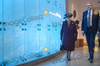 Queen Elizabeth II Photo - 25022020 - Director General  Andrew Parker and Queen Elizabeth II during a visit to the headquarters of MI5 at Thames House in London Photo Credit ALPRAdMedia