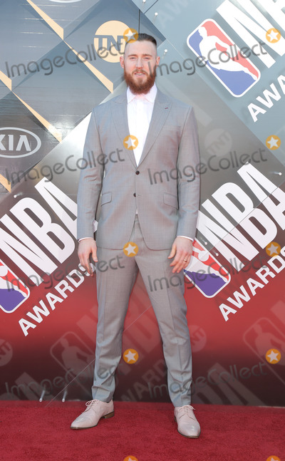 Aron Baynes Photo - Aron Baynes 2018 NBA Awards held at Barker Hangar Photo Credit PMAAdMedia