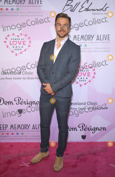 Neil Diamond Photo - 07 March 2020 - Las Vegas NV - Derek Hough  Keep Memory Alive Honors Neil Diamond at 24th Annual Power of Love Gala at MGM Grand Garden Arena Photo Credit MJTAdMedia