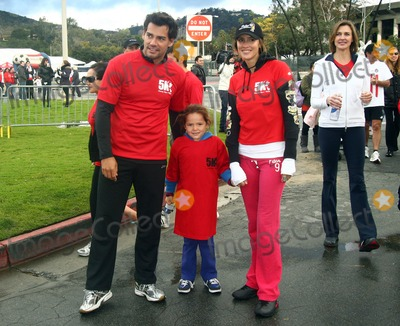 Angelica Castro Photo - 26 February 2011 - Pasadena California - Cristian de la Fuente Angelica Castro and Brenda Strong Padres 4th Annual Stand For Hope Charity 5K RunWalk held at The Rose Bowl Photo Tonya WiseAdMedia