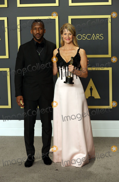 Mahershala Ali Photo - 09 February 2020 - Hollywood California -     Mahershala Ali Laura Dern attend the 92nd Annual Academy Awards presented by the Academy of Motion Picture Arts and Sciences held at Hollywood  Highland Center Photo Credit Theresa ShirriffAdMedia