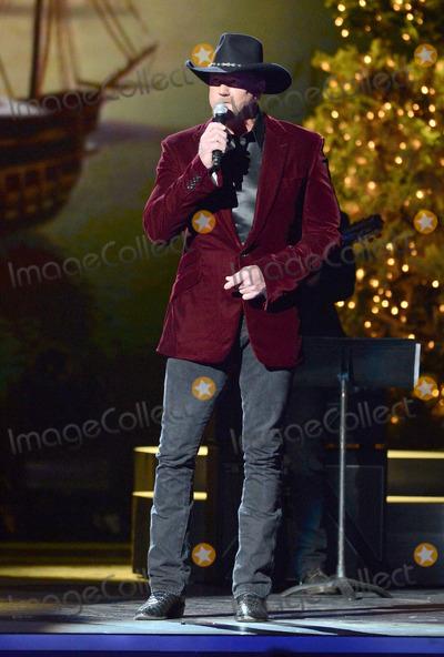 Trace Adkins Photo - 08 November 2013 - Nashville Tennessee - Trace Adkins 2013 CMA Country Christmas Taping held at Bridgestone Arena Photo Credit Laura FarrAdMedia
