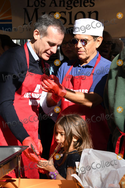 Antonio Villaraigosa Photo - 21 November 2018 - Los Angeles California - Eric Garcetti Antonio Villaraigosa 2018 LA Mission Thanksgiving held at LA Mission Photo Credit Birdie ThompsonAdMedia